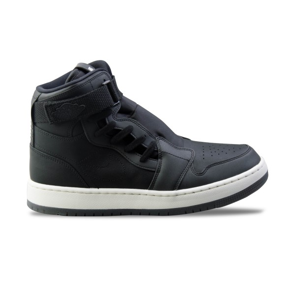 Jordan Air 1 Nova XX Black